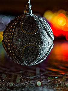 Bilder Neujahr Ast Kugeln Design