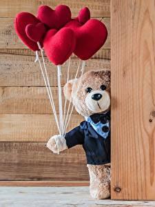 Papel de Parede Desktop Urso de pelúcia Dia dos Namorados Coração Tábuas de madeira