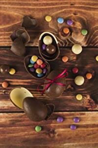 Fotos Ostern Bonbon Schokolade Bretter Ei Lebensmittel