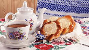 Hintergrundbilder Tee Pfeifkessel Brötchen Löffel