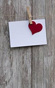 Fotos Valentinstag Bretter Wäscheklammer Blatt Papier Herz