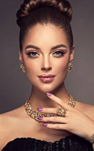 Photo Jewelry Necklace Beautiful Glance Brown haired Makeup Manicure Hands Sofia Zuravets Girls