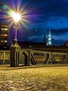 Hintergrundbilder Deutschland Gebäude Brücke Straßenlaterne Nacht Gehweg Zwickau