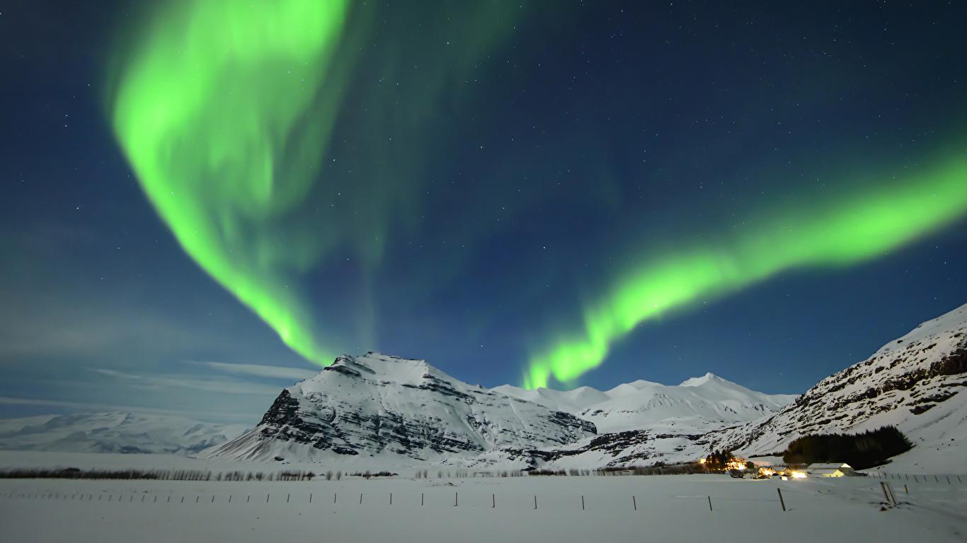 壁紙 1366x768 アイスランド 冬 空 山 オーロラ 雪 自然 ダウンロード 写真