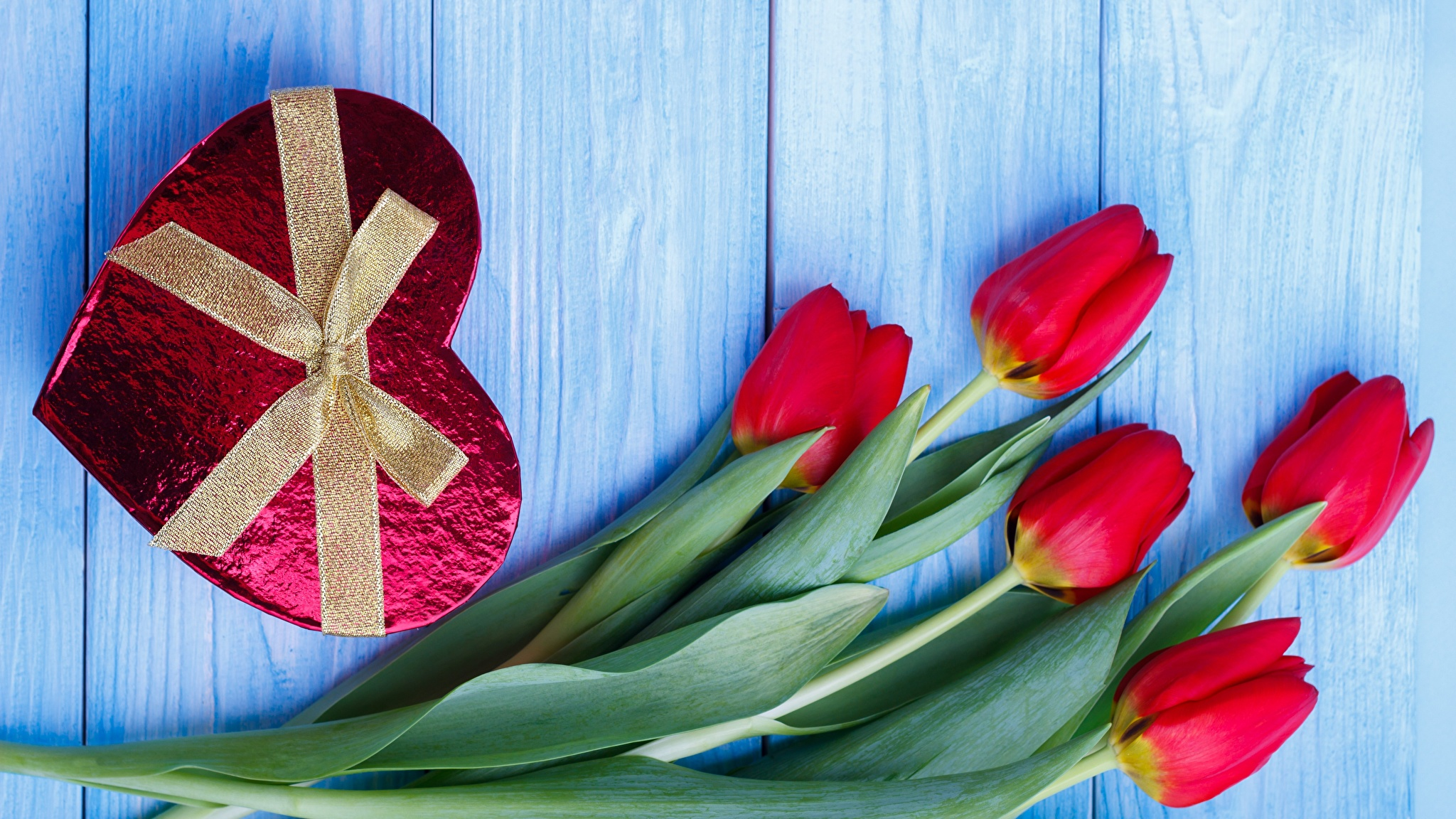 Bilder von Valentinstag Herz Tulpen Blumen Schleife Bretter 2048x1152