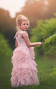 Fonds d'écran Petites filles Les robes enfant