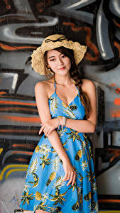 Bilder Asiatisches Graffiti Kleid Der Hut Zopf Mauer