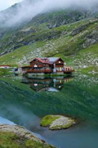 Hintergrundbilder Rumänien Gebirge See Haus Laubmoose Lake Balea Natur
