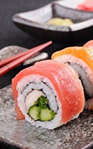 Bilder Sushi Fische - Lebensmittel Großansicht Lebensmittel