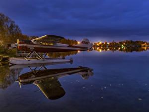 Fotos Vereinigte Staaten Alaska Abend See Wasserflugzeug Spiegelung Spiegelbild Lake Spenard Anchorage Natur