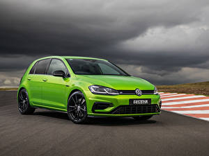 Hintergrundbilder Volkswagen Hellgrüne Metallisch 2020 Golf R 5-door Final Edition