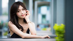 Hintergrundbilder Asiatisches Bokeh Blick Brünette Haar Hand junge Frauen