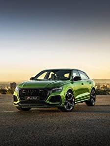 Fotos Abend Audi Grün Metallisch Softroader 2020, RS Q8 auto