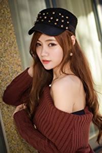 Hintergrundbilder Asiatische Braune Haare Baseballcap Sweatshirt Blick Unscharfer Hintergrund junge Frauen