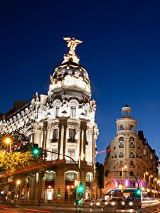 Hintergrundbilder Madrid Gebäude Spanien Straße Nacht Fährt