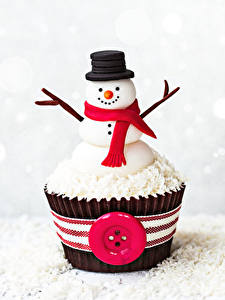 Picture Sweets Cake Cupcake Snowmen Design Hat Scarf Food