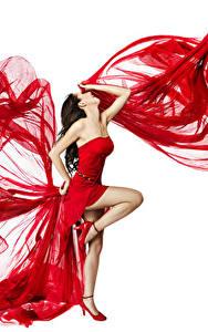 Bilder Weißer hintergrund Braune Haare Kleid Bein Tanz junge Frauen