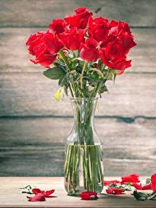 Hintergrundbilder Rose Sträuße Tisch Kronblätter Vase Blüte