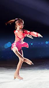 Bilder Kleine Mädchen Eis Schlittschuh Tanz Kinder