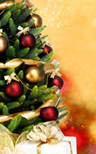 Fotos Neujahr Tannenbaum Kugeln
