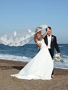 Hintergrundbilder Küste Meer Mann Hochzeiten Bräutigam Bräute Windig Mädchens