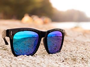 Fotos Großansicht Brille Sand