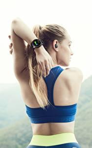 Papel de Parede Desktop Aptidão física Relógio Relógio de pulso Costas Mão Samsung Gear S3 Frontier Desporto Meninas