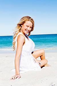 Hintergrundbilder Strand Blond Mädchen Lächeln Mädchens