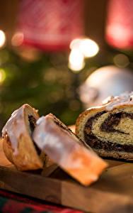 Bilder Neujahr Backware Roulade Schneidebrett Stücke Lebensmittel