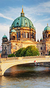 Fotos Berlin Tempel Fluss Brücken Kathedrale Deutschland Städte
