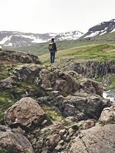 Bilder Steine Gebirge Bach Reisender Geht