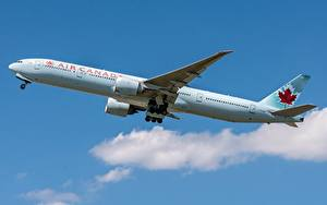 Hintergrundbilder Verkehrsflugzeug Boeing Seitlich Air Canada, 777-300ER