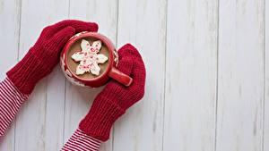 Bilder Hot chocolate Hand Fausthandschuhe Bretter Becher