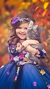Fonds d'écran Chat domestique Petites filles Les robes Sourire Enfants