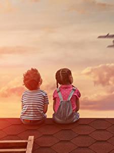 Fotos Flugzeuge Junge Kleine Mädchen 2 Rücken Sitzend Dach Kinder