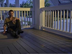 Bilder Mann Andrew Lincoln The Walking Dead Sitzt Rick Grimes Film Prominente