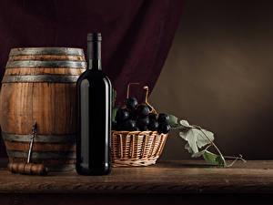 Fotos Fass Wein Weintraube Flaschen Weidenkorb