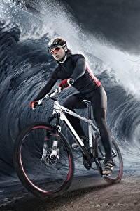 Hintergrundbilder Kreative Wasserwelle Blitz Fahrräder