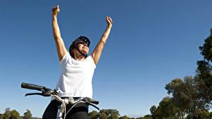 Bilder Fahrradlenker Glücklich Hand Sport