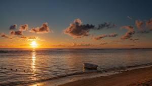 Fotos Morgendämmerung und Sonnenuntergang Meer Boot Strand Sonne
