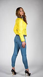 Bilder Posiert Jeans Jacke Blick Teresita junge frau