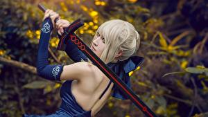 Picture Asiatic Dress Human back Cosplayers Swords Blonde girl Girls