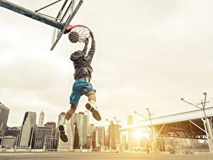 Hintergrundbilder Basketball Mann Sprung Ball sportliches