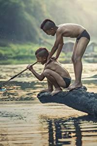 Bilder Asiatische Fluss Fischerei Zwei Junge Kinder