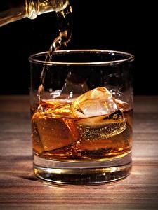 Fotos Whiskey Großansicht Trinkglas Eis Lebensmittel