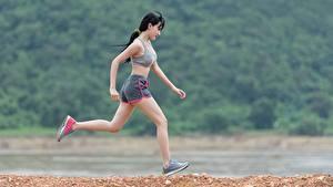 Fotos Fitness Asiatisches Brünette Lauf junge frau