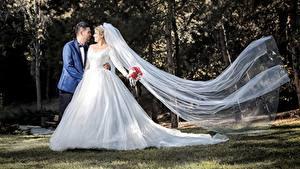Fonds d'écran Couples dans l'amour Homme Mariages Marié homme Jeune mariée Les robes