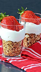 Hintergrundbilder Erdbeeren Nachtisch Trinkglas Zwei Lebensmittel