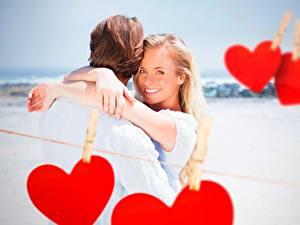 Papéis de parede Casais apaixonados Dia dos Namorados Coração Sorrir Prendedor de roupas Cabelo loiro Meninas Meninas