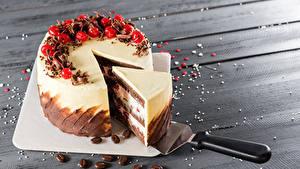 Bilder Süßware Torte Beere Bretter Stück Schneidebrett